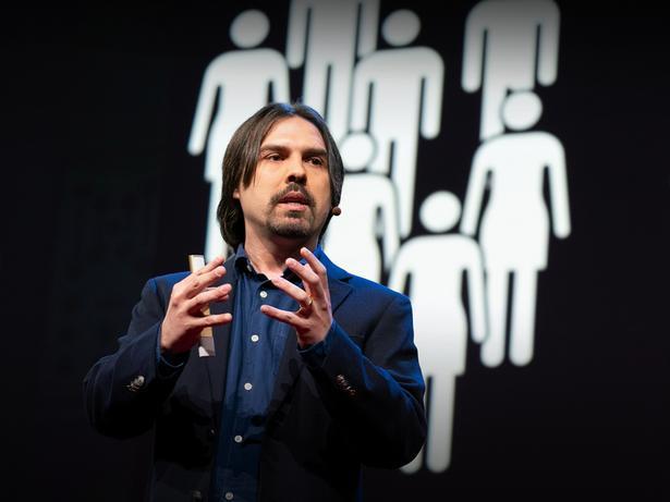 政治家をあるものに置き換える大胆な構想 | César Hidalgo