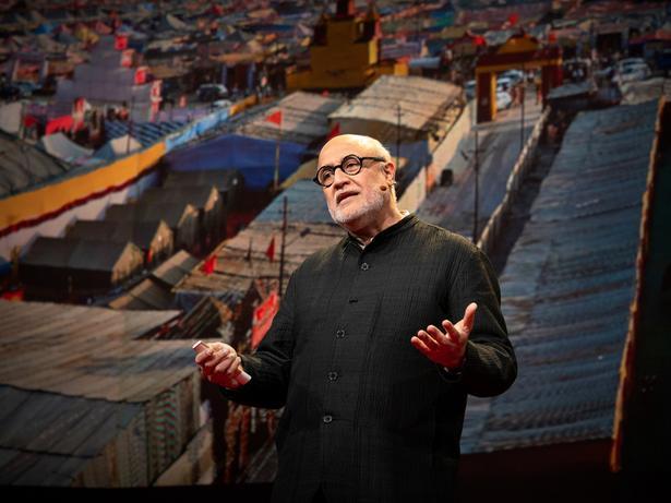 الأعجوبة المعمارية للمدن غير الثابتة | Rahul Mehrotra