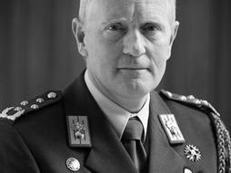 General Peter van Uhm is the Chief of the Netherlands Defence staff.