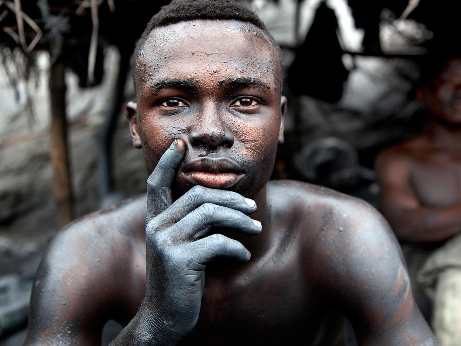 Bilderesultat for photos that bear witness to modern slavery