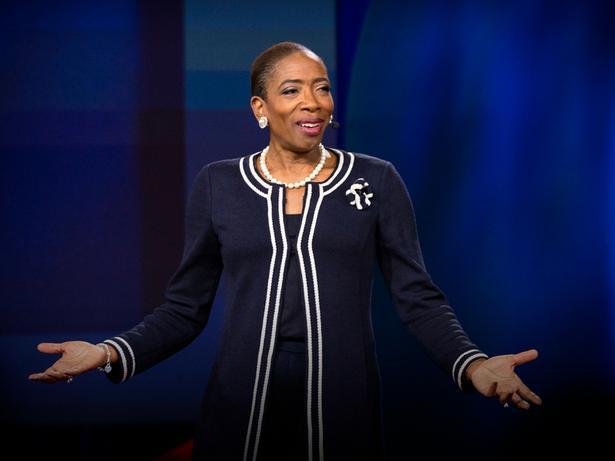 Como encontrar a pessoa que pode nos ajudar a progredir no trabalho | Carla Harris