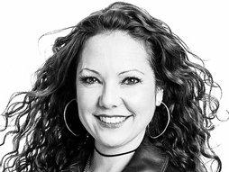 Mindy Scheier - How adaptive clothing empowers people with disabilities