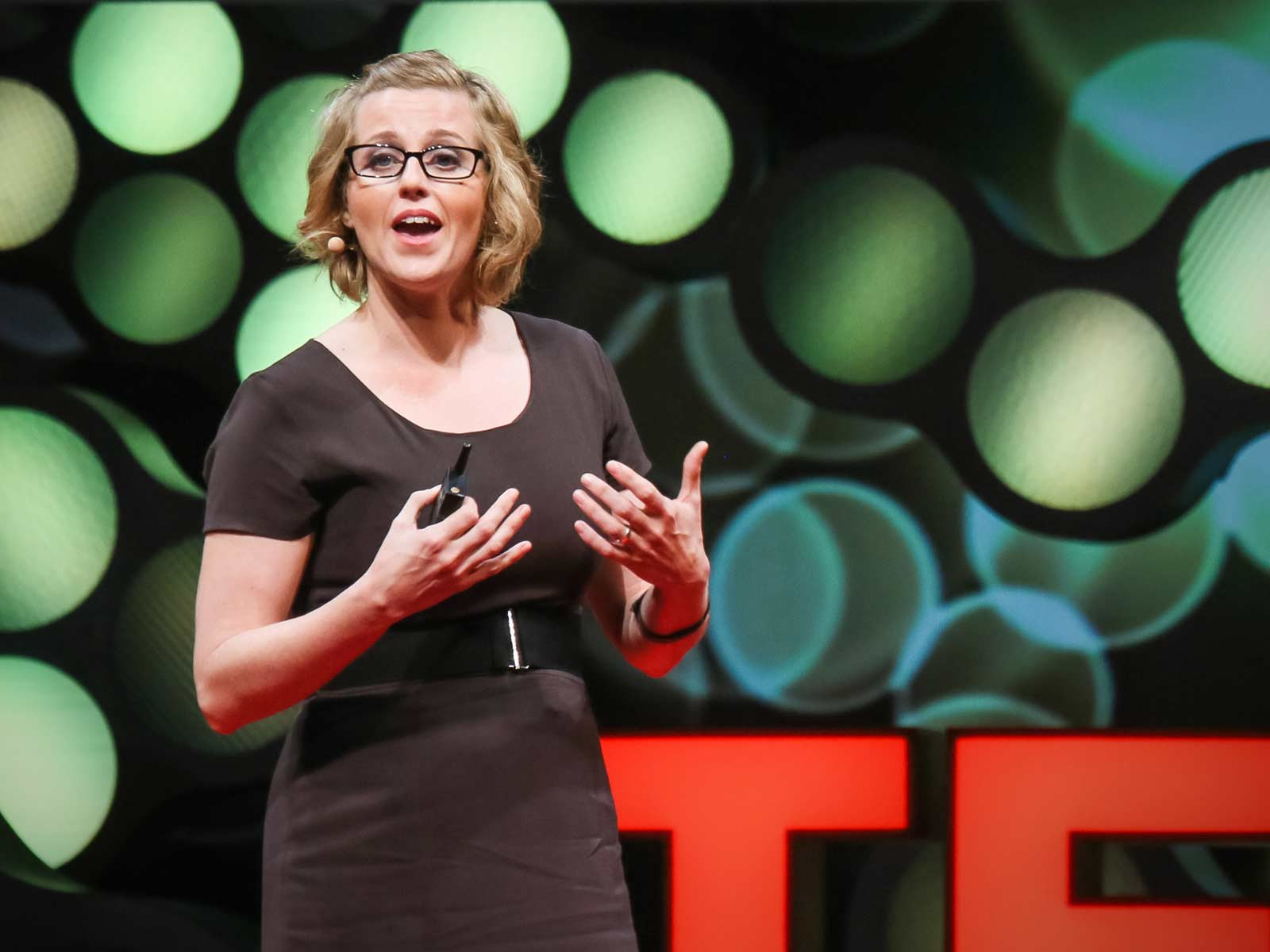 """ted talks amy webb online dating Amy webb was at her wit's end when her last relationship ended after hearing the advice of everyone in her life, she turned to the online dating world to find """"the one."""