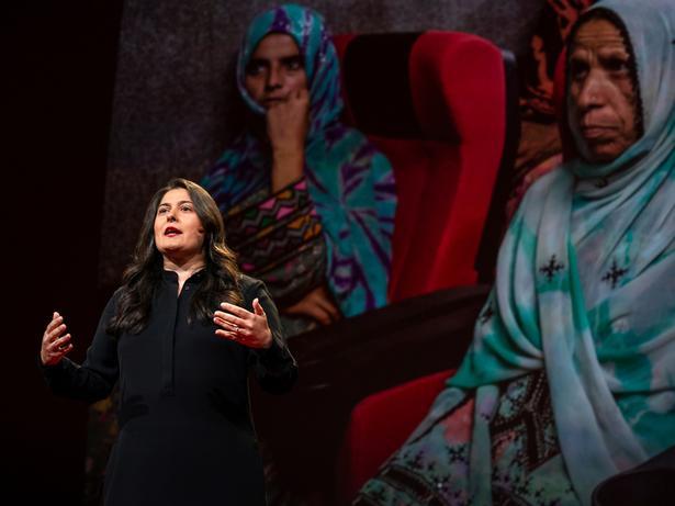 كيف يمكن للأفلام تغيير نظرتنا للعالم | Sharmeen Obaid-Chinoy