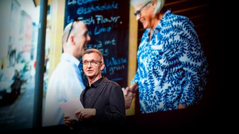 What happened when we paired up thousands of strangers to talk politics | Jochen Wegner
