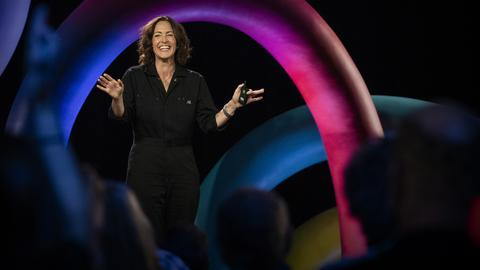 The art of paying attention | Wendy MacNaughton