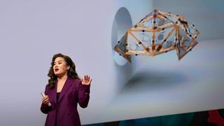 ジェイミー・ペイク自ら形を変え変身する折り紙ロボット