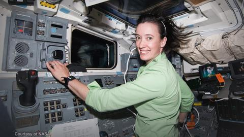 <p>A NASA astronaut's Course on fear, confidence and preparing for spaceflight | Megan McArthur thumbnail